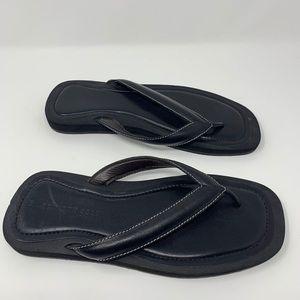 Kenneth Cole NY Black Leather Sandals / Flip Flops